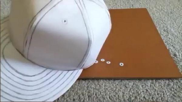 Cách làm nón lưỡi trai bằng giấy - bước 12