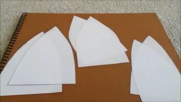 Cách làm nón lưỡi trai bằng giấy - bước 3