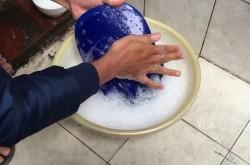 Cách giặt mũ bị mốc